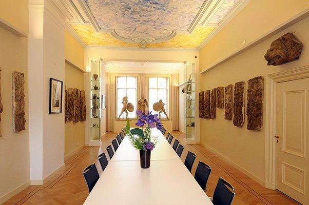 Reuvens' conference room
